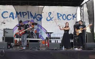 """Rajaz toca """"Rhayader Goes To Town"""" no Camping Rock 2017"""