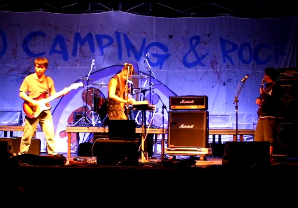 """Ilegal"", de TremBemDitos, no Camping Rock 2017"