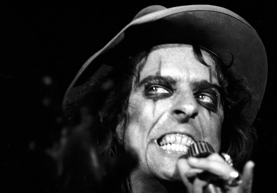 Alice Cooper no Programa A Hora do Dinossauro, 04/02/2017