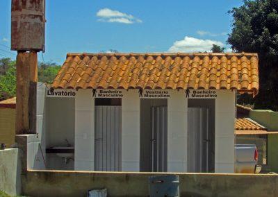 Muitos banheiros